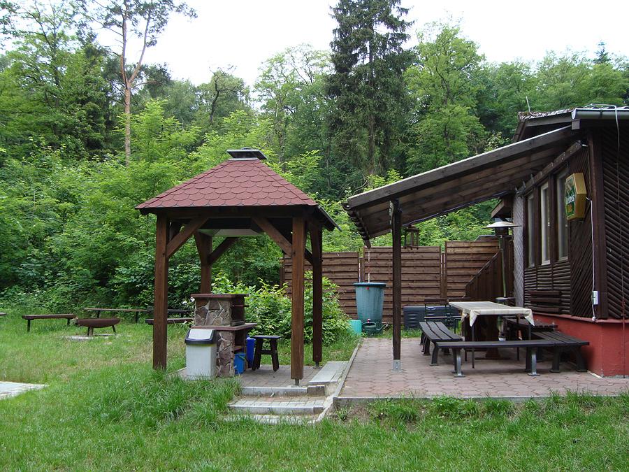 bungalow grillplatz terrasse und feuerplatz